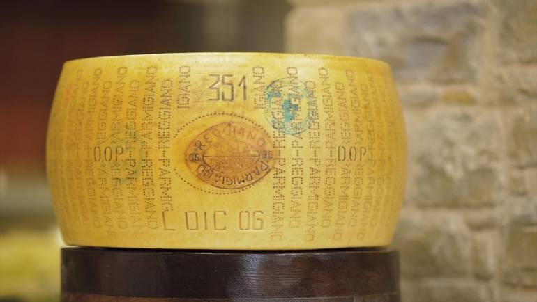 Latteria Garfagnolo è Parmigiano Reggiano Prodotto di Montagna