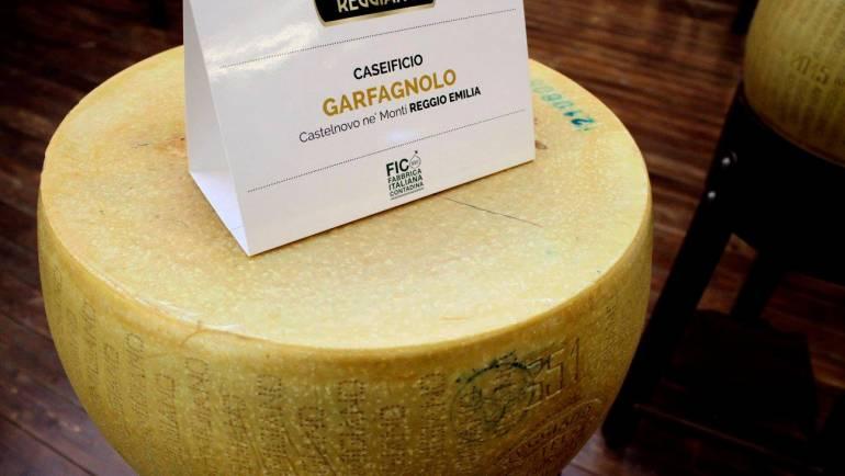 Parmigiano Reggiano a FICO Eataly World